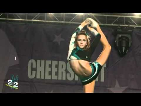 Cheer Stunt Before Famous House